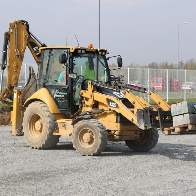 Traktorbagr CAT 432E